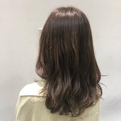 ゆるふわパーマ ナチュラル ミディアム デジタルパーマ ヘアスタイルや髪型の写真・画像
