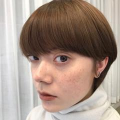 ダブルカラー オレンジ ショートボブ ブリーチ ヘアスタイルや髪型の写真・画像