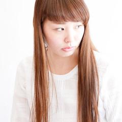 ストレート ナチュラル ブラウン 外国人風 ヘアスタイルや髪型の写真・画像