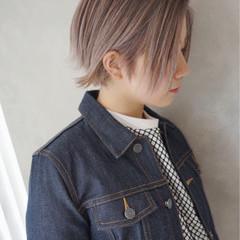 ミルクティー アッシュ 透明感 ミルクティーベージュ ヘアスタイルや髪型の写真・画像