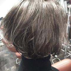 アッシュ ブラントカット アッシュグレージュ モード ヘアスタイルや髪型の写真・画像