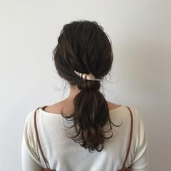 セミロング イルミナカラー 外国人風 ポニーテール ヘアスタイルや髪型の写真・画像
