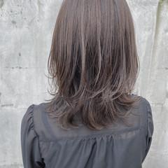 極細ハイライト ミディアム ナチュラル ハイライト ヘアスタイルや髪型の写真・画像