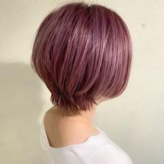 ベリーピンク ストリート ピンク ショートボブ ヘアスタイルや髪型の写真・画像