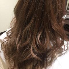 グレージュ ミルクティー ハイトーン アッシュ ヘアスタイルや髪型の写真・画像