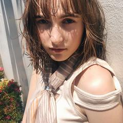 アンニュイほつれヘア ミルクティーベージュ ナチュラル ベージュ ヘアスタイルや髪型の写真・画像