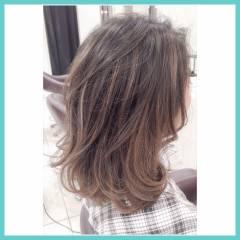 ストリート ハイライト ミディアム グラデーションカラー ヘアスタイルや髪型の写真・画像