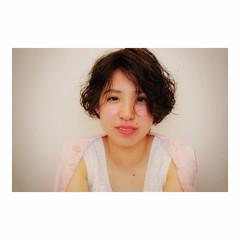 簡単ヘアアレンジ ナチュラル パーマ 大人かわいい ヘアスタイルや髪型の写真・画像