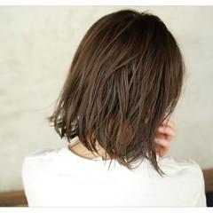 アッシュ 秋 ナチュラル 透明感 ヘアスタイルや髪型の写真・画像