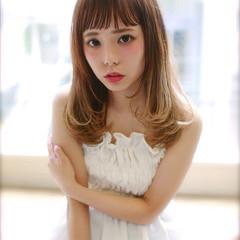 グラデーションカラー 外国人風 大人かわいい セミロング ヘアスタイルや髪型の写真・画像