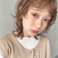 ミルクティーベージュ ボブ シアーベージュ レイヤーボブ ヘアスタイルや髪型の写真・画像