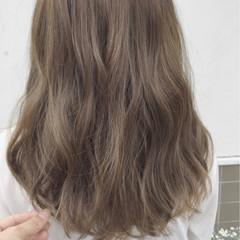 外国人風 秋 ロング アッシュ ヘアスタイルや髪型の写真・画像