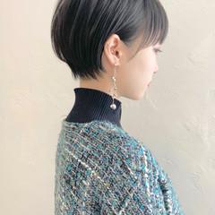 ショートヘア 耳掛けショート ナチュラル 黒髪 ヘアスタイルや髪型の写真・画像