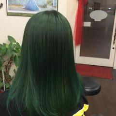 ストリート セミロング グリーン インナーグリーン ヘアスタイルや髪型の写真・画像