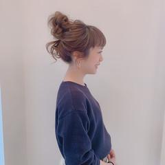 ヘアセット フェミニン セミロング お団子アレンジ ヘアスタイルや髪型の写真・画像
