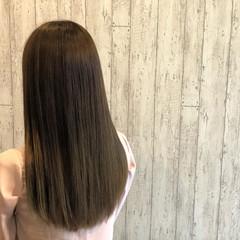 ナチュラル ロング グレー ヘアスタイルや髪型の写真・画像