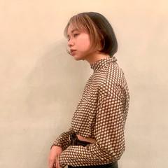 ブリーチカラー ミルクティーベージュ ハイトーンカラー ナチュラル ヘアスタイルや髪型の写真・画像