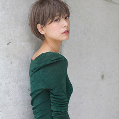 秋 リラックス 小顔 ゆるふわ ヘアスタイルや髪型の写真・画像