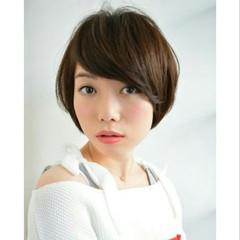 簡単ヘアアレンジ ショート ナチュラル 大人かわいい ヘアスタイルや髪型の写真・画像