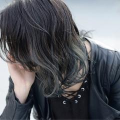 アッシュ インナーカラー ハイライト ストリート ヘアスタイルや髪型の写真・画像