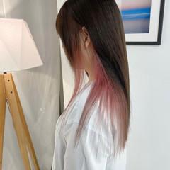 ショートボブ インナーカラー ミニボブ 切りっぱなしボブ ヘアスタイルや髪型の写真・画像