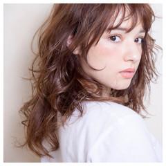 シースルーバング ロング ストリート パーマ ヘアスタイルや髪型の写真・画像