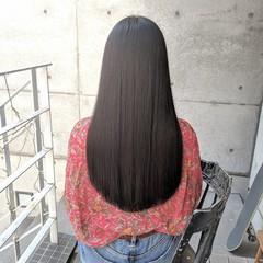 切りっぱなし 前髪パッツン 黒髪 ロング ヘアスタイルや髪型の写真・画像