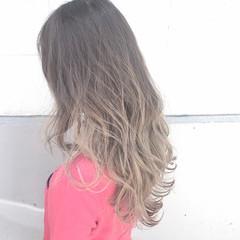 ストリート ニュアンス ロング インナーカラー ヘアスタイルや髪型の写真・画像