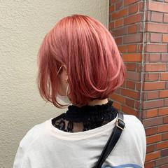 ショートヘア ストリート ピンクベージュ ピンクアッシュ ヘアスタイルや髪型の写真・画像