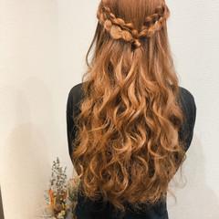 ロング ハーフアップ 編み込みヘア ヘアセット ヘアスタイルや髪型の写真・画像