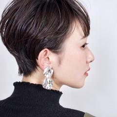 デート オフィス アンニュイほつれヘア ショート ヘアスタイルや髪型の写真・画像
