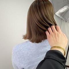 透明感カラー ミディアム ハイライト ミルクティーベージュ ヘアスタイルや髪型の写真・画像