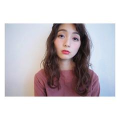 セミロング フェミニン 簡単 デジタルパーマ ヘアスタイルや髪型の写真・画像