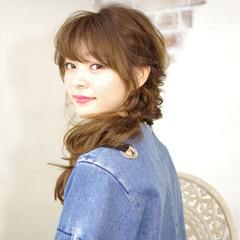 簡単ヘアアレンジ セミロング ピュア 前髪あり ヘアスタイルや髪型の写真・画像