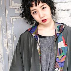 ウルフカット 黒髪 ストリート ショートバング ヘアスタイルや髪型の写真・画像