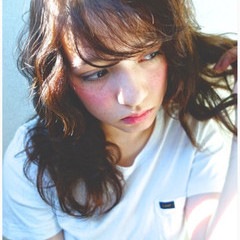 グレージュ ストリート 大人かわいい 外国人風 ヘアスタイルや髪型の写真・画像