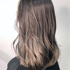 アッシュベージュ ヌーディベージュ ベージュ 外国人風カラー ヘアスタイルや髪型の写真・画像