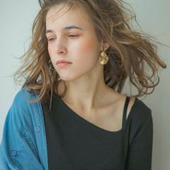 ミディアム ウルフカット ナチュラル 外国人風 ヘアスタイルや髪型の写真・画像