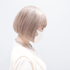 ミルクティーベージュ ブリーチ ブリーチオンカラー 大人可愛い ヘアスタイルや髪型の写真・画像