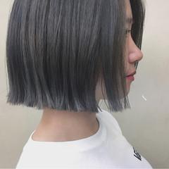 切りっぱなし グレージュ 秋 前髪なし ヘアスタイルや髪型の写真・画像