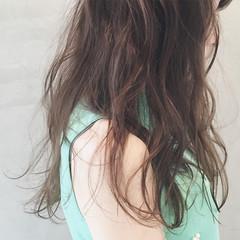 パーマ ゆるふわ 外国人風 ロング ヘアスタイルや髪型の写真・画像