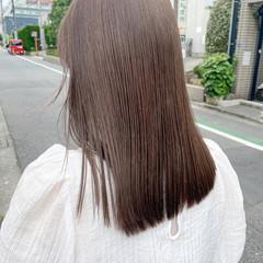ミルクティーグレージュ ブリーチなし オリーブグレージュ イルミナカラー ヘアスタイルや髪型の写真・画像