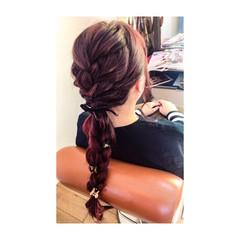 編み込み レッド ロング ハイライト ヘアスタイルや髪型の写真・画像
