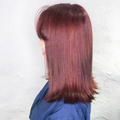 カシスレッド セミロング レッドブラウン ナチュラル ヘアスタイルや髪型の写真・画像
