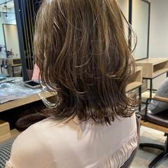 ミディアムレイヤー アンニュイほつれヘア 外ハネボブ ミディアム ヘアスタイルや髪型の写真・画像