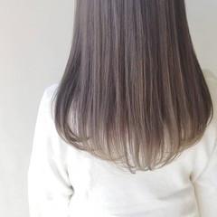 うる艶カラー ロング ナチュラル ミルクティーベージュ ヘアスタイルや髪型の写真・画像