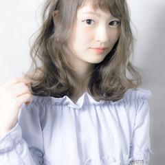 ゆるふわ ミディアム フェミニン 色気 ヘアスタイルや髪型の写真・画像