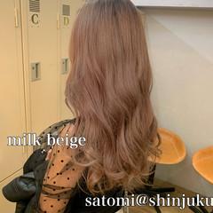 ハイトーン ナチュラル アンニュイほつれヘア ミルクティーベージュ ヘアスタイルや髪型の写真・画像
