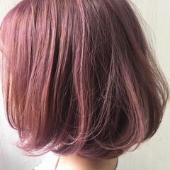 ピンク オレンジベージュ ガーリー ボブ ヘアスタイルや髪型の写真・画像