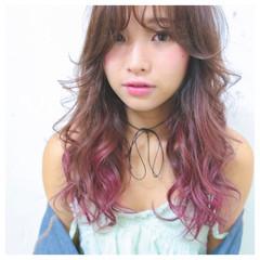 ピンク 外国人風 グラデーションカラー 前髪あり ヘアスタイルや髪型の写真・画像